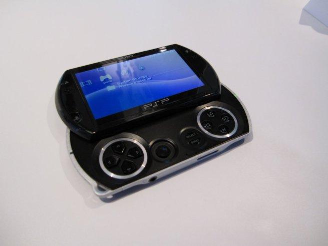 PSP Go open